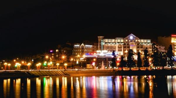 khách sạn đà lạt gần chợ âm phủ