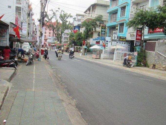 khách sạn đường Bùi Thị Xuân giá bình dân
