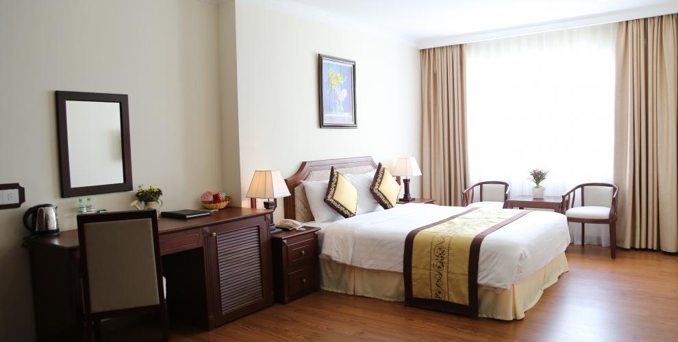 phong superior iris hotel