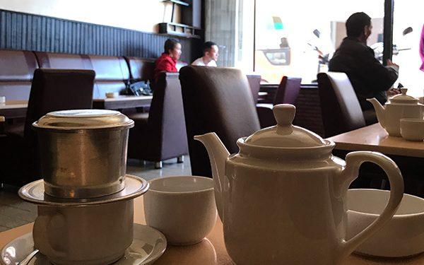 Thưởng thức Ly cà phê ở thành phố ngàn hoa