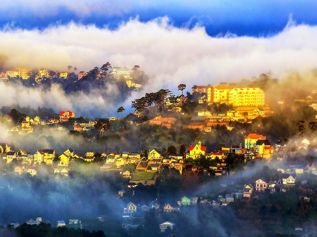 Đà Lạt luôn phủ kín bởi sương mù