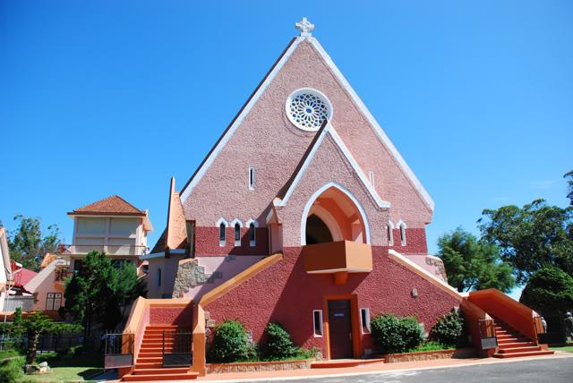 nhà thờ bán áo len Đà Lạt