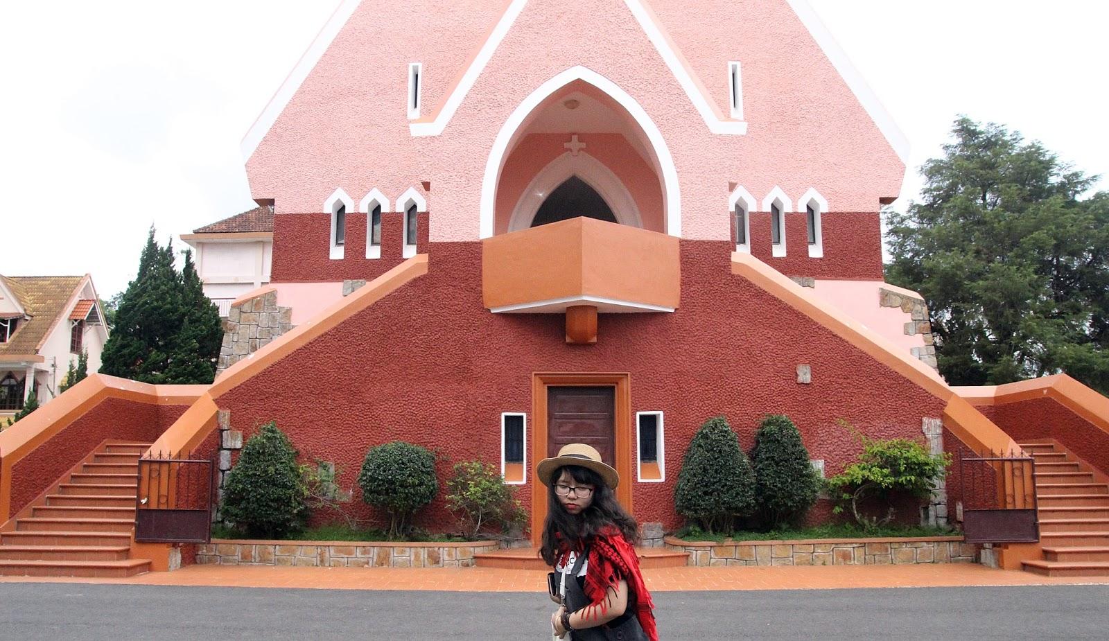 nhà thờ Domaine De Marie Đà Lạt giờ mở cửa