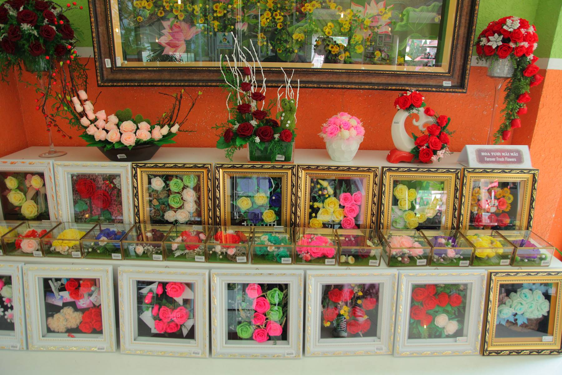 Những bức tranh làm từ hoa khô Đà Lạt