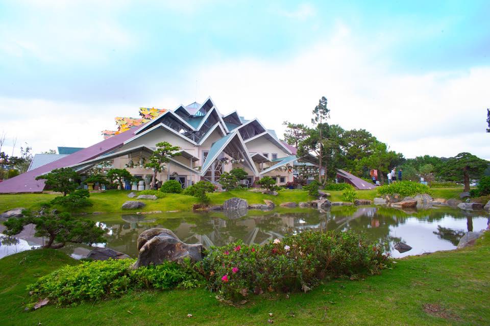 nhà mái tại khu du lịch Lá Phong Đà Lạt