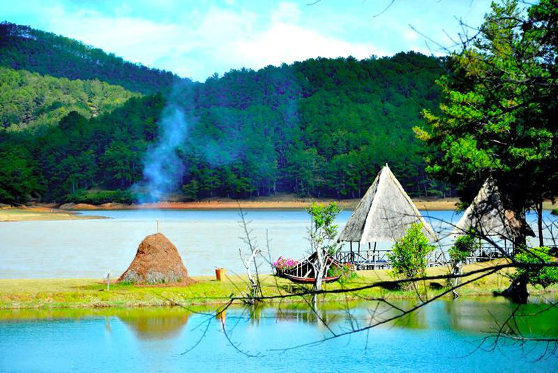 cắm trại ở thung lũng vàng