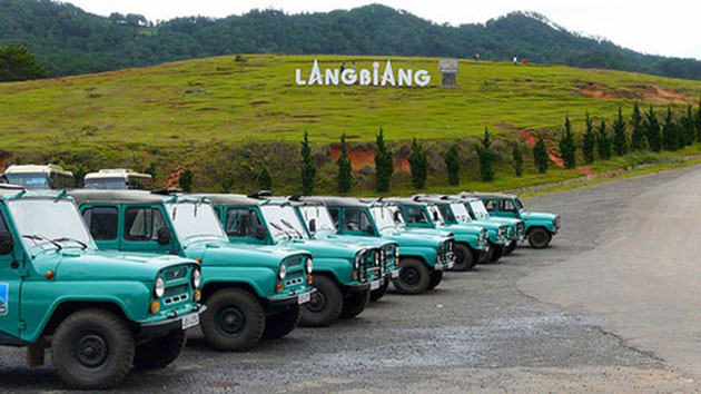 Xe Jeep ở Langbiang