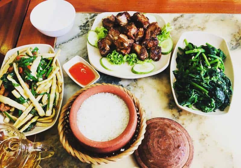 Nhà hàng cơm niêu Việt Nam Đà Lạt
