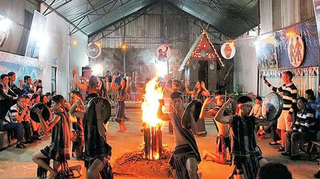 tour giao lưu văn hóa cồng chiêng Đà Lạt